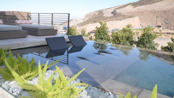 new-american-home-2016-las-vegas-pool-spa-view-ht4w1280