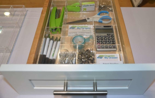 wouldn't you like to be able to organize your kitchen drawers like this?