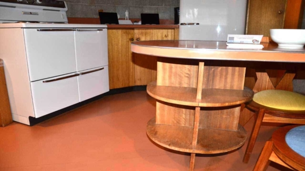 the mid-century modern home had most of today's kitchen features