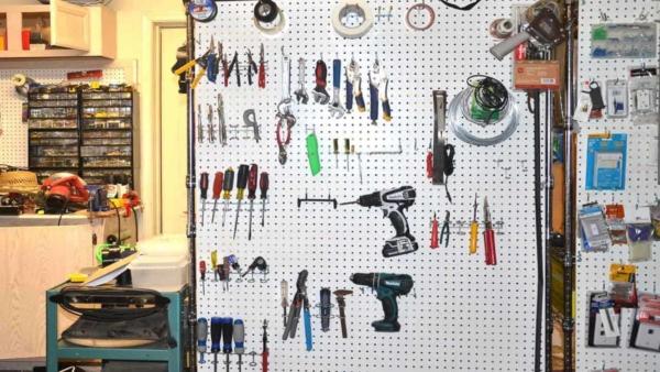 garage-organization-screwdrivers-pegboard-ht4w1280