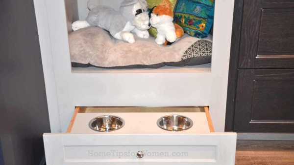#kitchen-drawer-pet-water-food-bowls-kbis-2017-ht4w1280