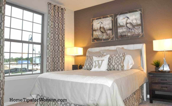 bedroom-curtains-to-ceiling-matching-bedskirt-florida-ht4w1280
