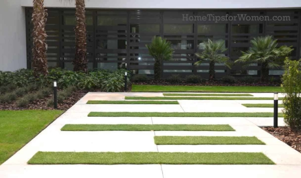 #landscaping-front-wall-hybrid-new-american-home-kbis-2017-orlando-florida-ht4w1280