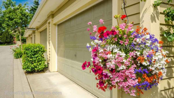 @garages-garage-door-hanging-flower-baskets-ht4w1280